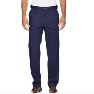 NWOT Mens Haggar In Motion Relaxed Fit Pants